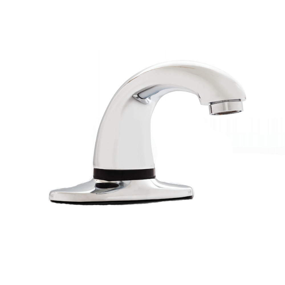 "Rubbermaid - Milano Auto Faucet W/8"" Plate 